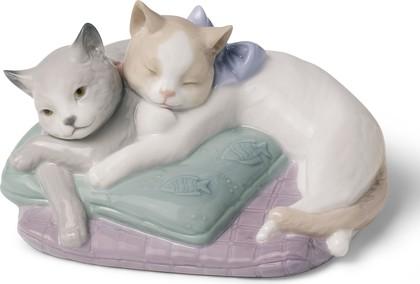 Статуэтка фарфоровая Сонный Клубок (Snuggle Cats) 7см NAO 02001578