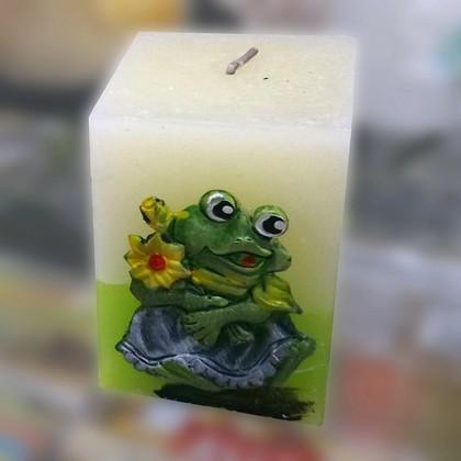 "Свеча ""Лягушка"", блок 6х6х9см Bartek Candles 235021"