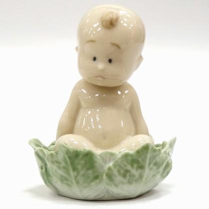 Статуэтка фарфоровая Из Капусты? (From a Cabbage?) 8см NAO 02005021