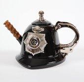 """Чайник заварочный """"Страж порядка"""" (шлем английского полицейского, наручники, дубинка) The Teapottery 4448"""