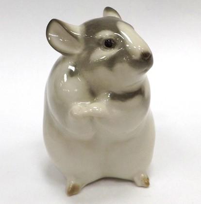 Скульптура Стоящая шиншилла, серый, фарфор ИФЗ 82.71069.00.1