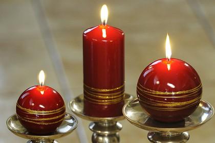 "Свеча ""Золотые кольца"" шар диаметр 10см Bartek Candles 130043"