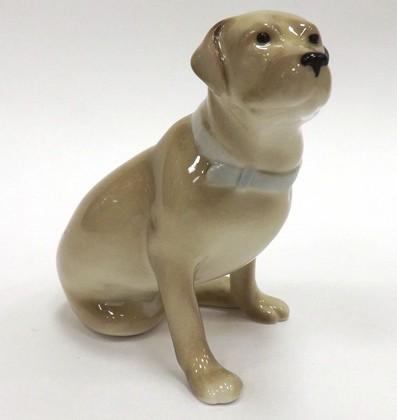 Статуэтка Собака. Лабрадор палевый, 9см, фарфор ИФЗ 82.77334.00.1