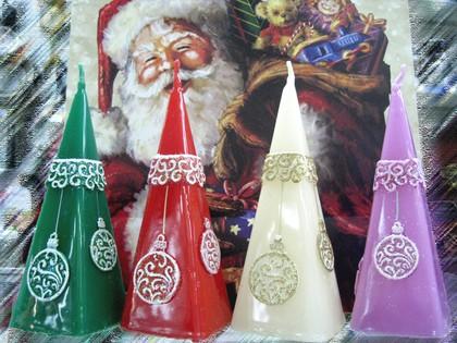 """Свеча """"Новогодние игрушки"""" пирамида 5х5х15см Bartek Candles 150031"""