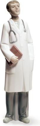 Статуэтка фарфоровая Доктор - мужчина (Doctor - Male) 27см NAO 02001683