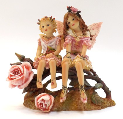 Статуэтка Феи розовыx лепестков (Rosepetal Faeries), 13см The Leonardo Collection LP06896