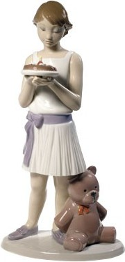 Статуэтка фарфоровая Именинница (Birthday Girl) 25см NAO 02001737