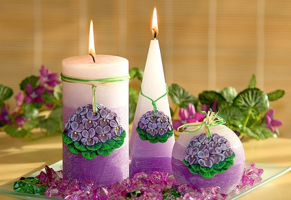 Свеча Фиалки пирамида 50х50х150мм Bartek Candles 172031