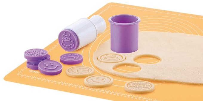Использование штампов DELICIA для создания круглых печенек, из ассортимента Tescoma (июль-август 2015 г.)