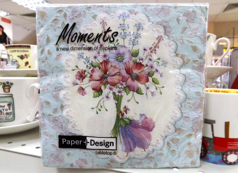 Бумажные декупажные салфетки с объёмными (выпуклыми) элементами и изображением букета цветов от Paper+Design