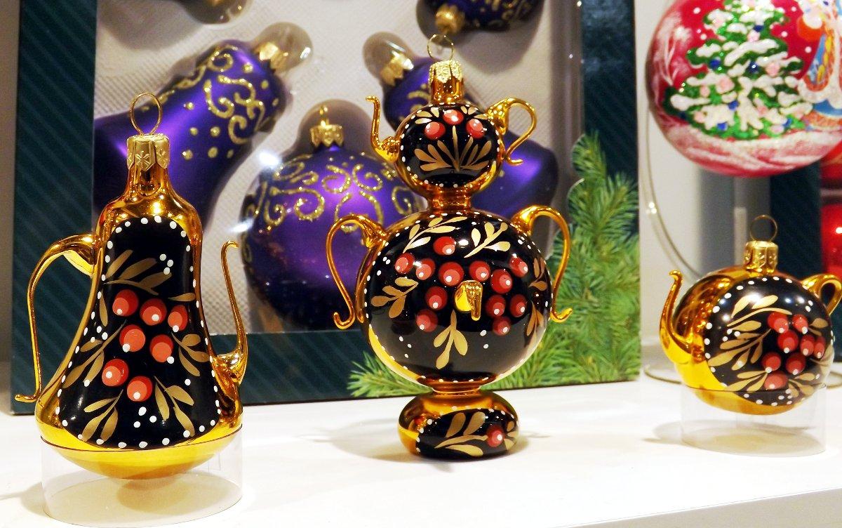 Сувениры от российских производителей на выставке КонсумЭкспо-Зима 2015. Вид А