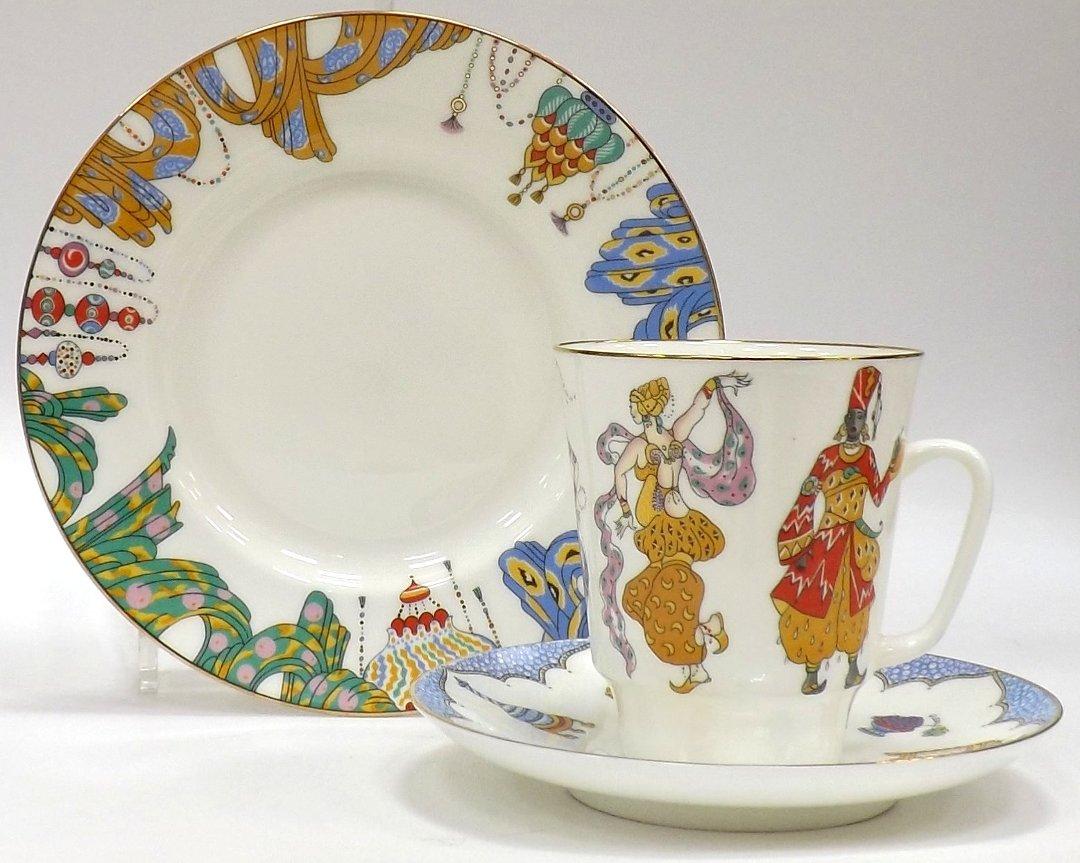 Кофейный набор из трёх предметов от ИФЗ, исполненный в форме Майская с изображениями на тему балета Шехеразада