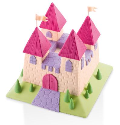 Торт в форме замка, созданный с использованием декоративных шаблонов DELICIA DECO от Tescoma
