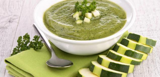 Иллюстрация к рецепту создания супа из цукини с сыром с травами от Beka