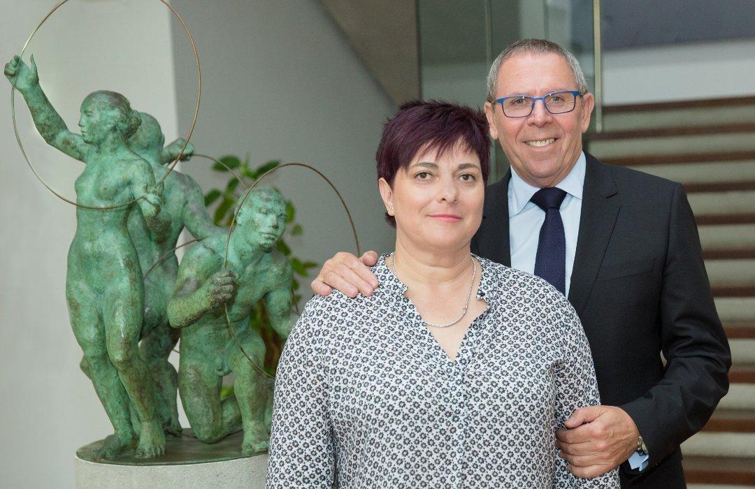 Джоан (справа) и Пакибель Сервер — дети основателя и нынешние руководители компании Rolser (крупный испанский производитель сумок-тележек), которой в 2016 году исполнилось 50 лет