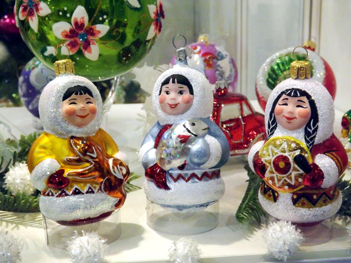 Сувениры от российских производителей на выставке КонсумЭкспо-Зима 2015. Вид Б