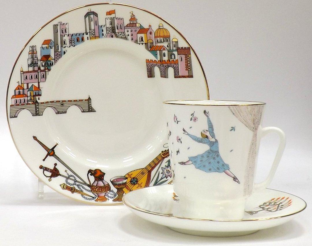 Кофейный набор из трёх предметов от ИФЗ, исполненный в форме Майская с изображениями на тему балета Ромео и Джульетта