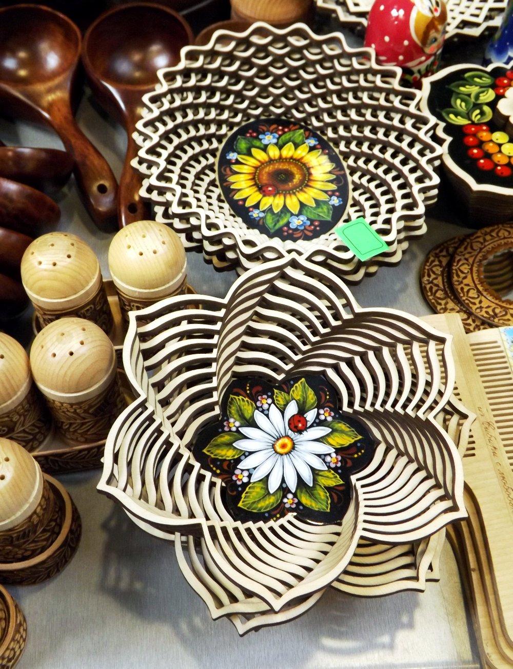 Продукция сибирских производителей деревянной посуды и кухонных аксессуаров на сентябрьской выставке HouseHoldExpo 2014 - вид Б