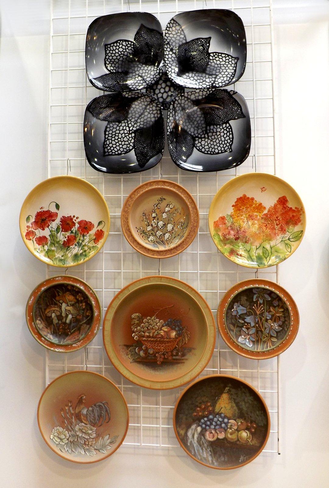 Керамическая посуда с ручной росписью от российского бренда на выставке HouseHoldExpo в сентябре 2016 года