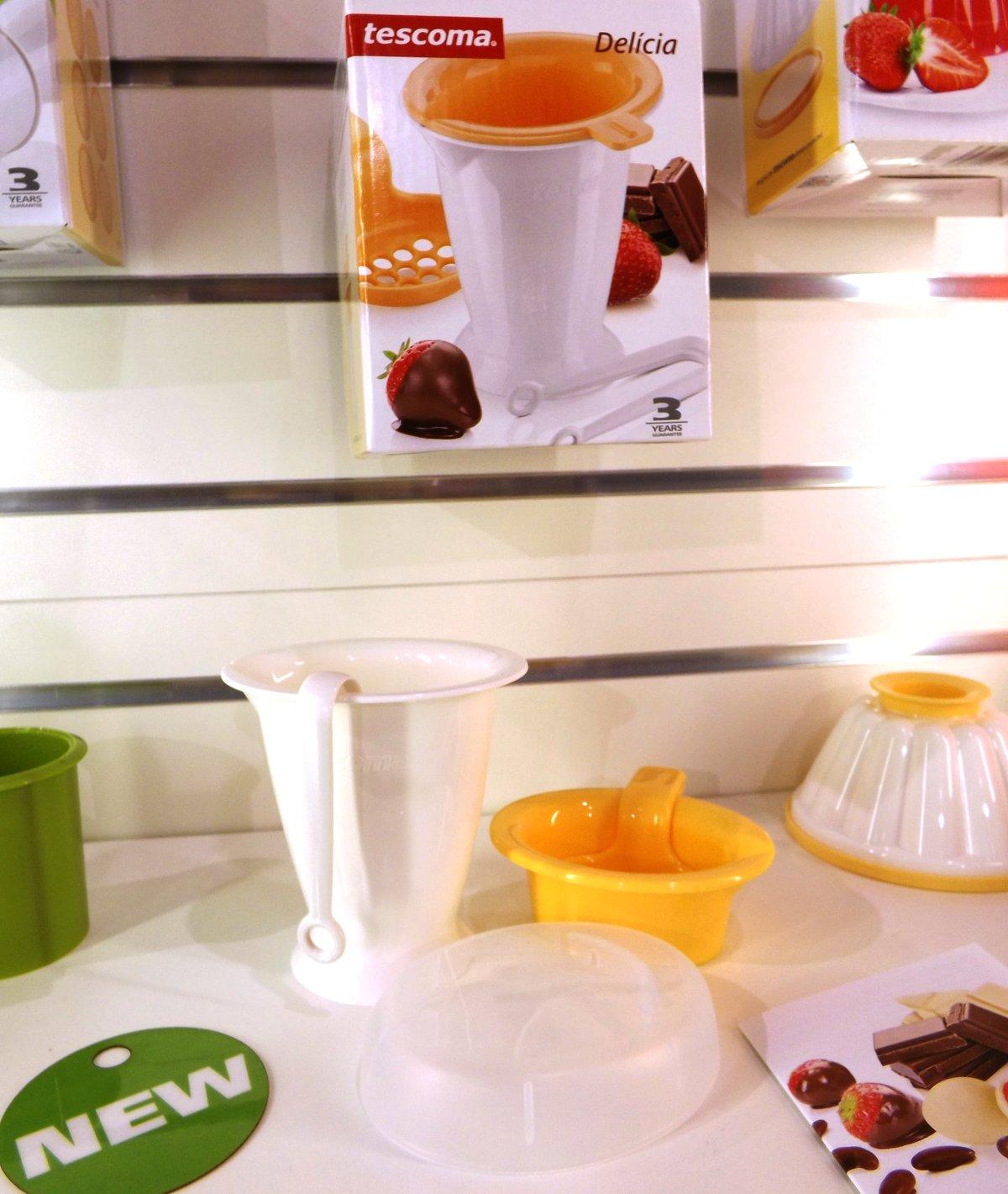 Набор из коллекции Tescoma DELICIA для приготовления ягод в шоколаде на весенней выставке HouseHoldExpo 2015