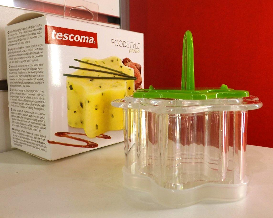 Прибор из коллекции Tescoma FOODSTYLE PRESTO для приготовления формованных слоёных салатов, желе и т.п., на весенней выставке HouseHoldExpo 2015