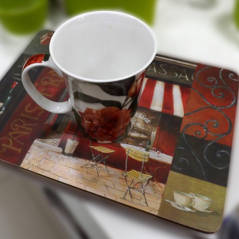 Подставка на основе пробкового дерева с изображением французского кафе и фарфоровая кружка с нарисованными цветами от Creative Tops