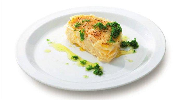 В комплекте с ветчинницей Tescoma PRESTO предложен рецепт приготовления картофеля со сливками и петрушкой - блюдо