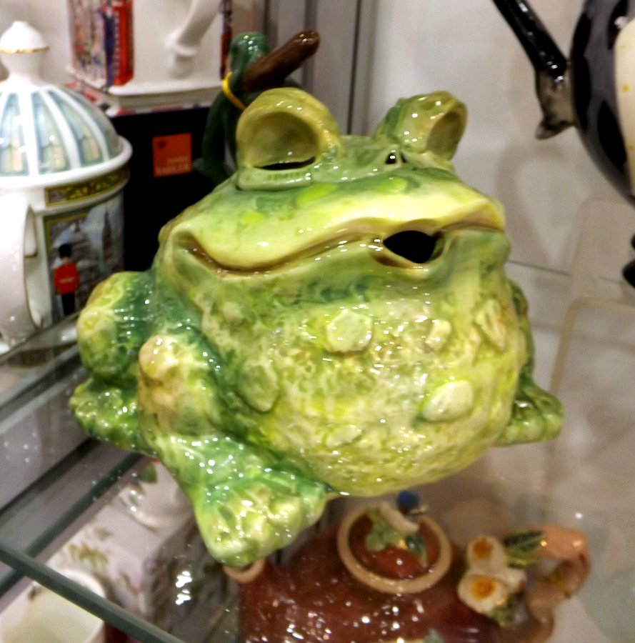 Керамический коллекционный чайник от Blue Sky - жаба