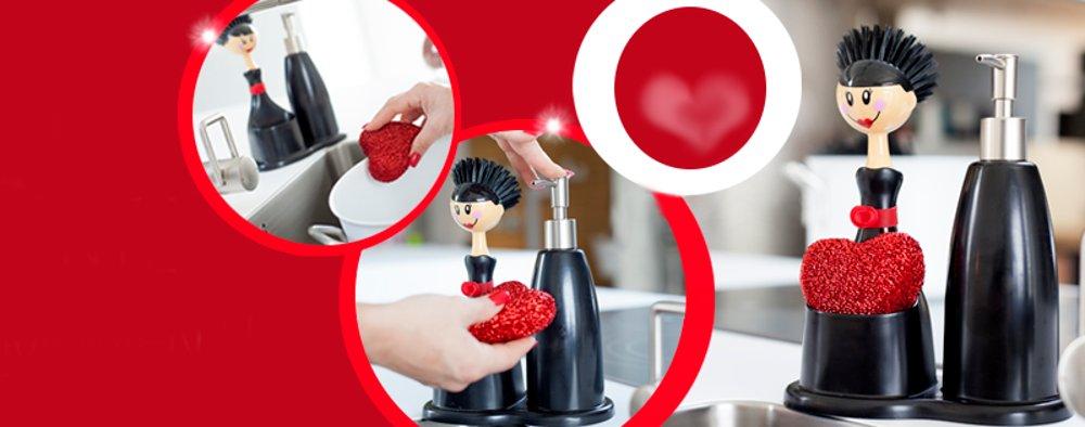Процесс использования набора для мытья посуды с яркой губкой от Vigar