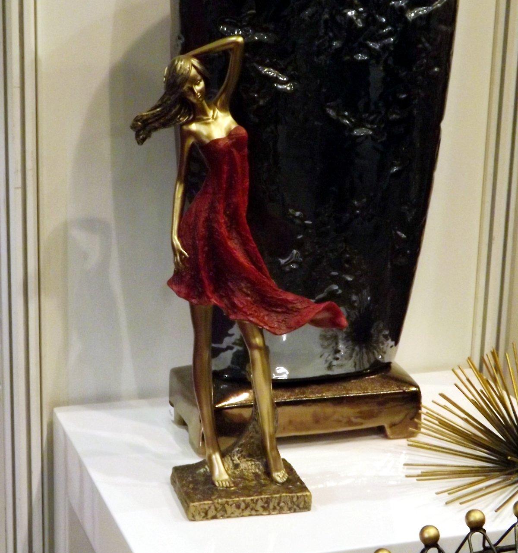 Статуэтка и интерьерные аксессуары на выставке КонсумЭкспо-Зима 2015