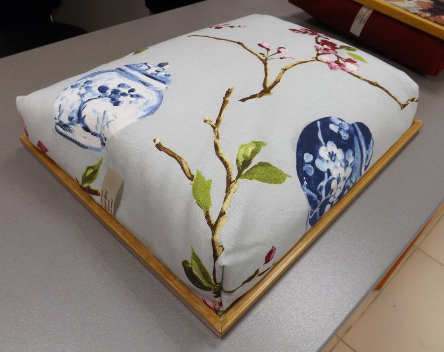Поднос с подушкой Margot Steel Designs