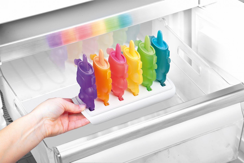 Формочки для домашнего мороженого из серии Tescoma BAMBINI 2014 года: иллюстрация процесса помещения в морозилку