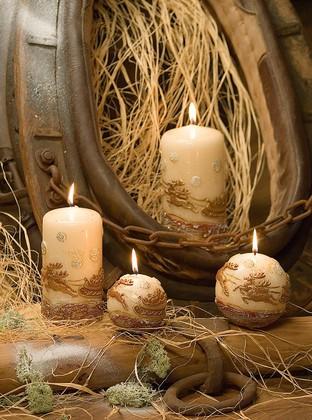"""Свеча """"Олени"""" пирамида 8х8х33cм Bartek Candles 154032"""