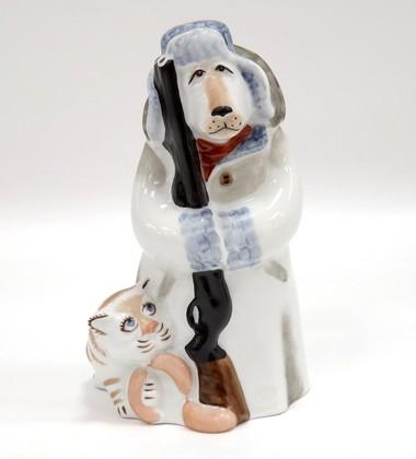 Скульптура Сторож в белом тулупе Дулёвский фарфор 086392