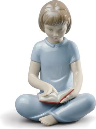 Статуэтка фарфоровая Моя любимая книга (My Favorite Tale) 13см NAO 02001834