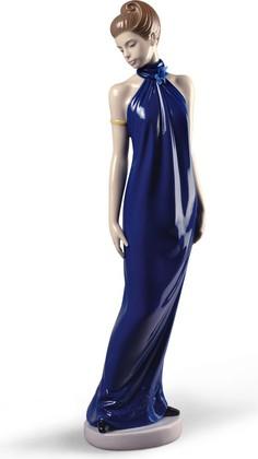 Статуэтка фарфоровая NAO Элегантность (Elegance) Специальное издание 31см 02001831