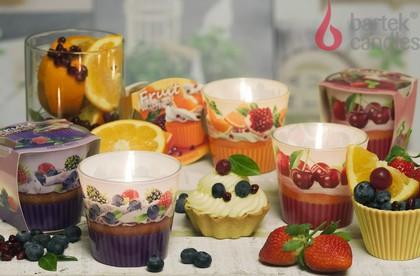 Свеча декоративная Bartek Candles Фруктовые маффины, стакан 5901685045568