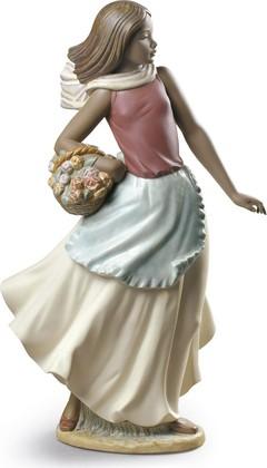 Статуэтка фарфоровая NAO Корзина с цветами (Basket With Flowers) 02012024