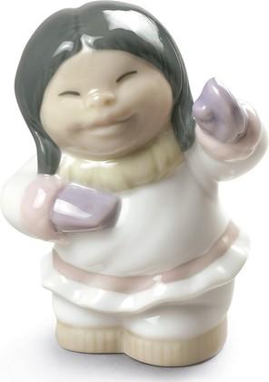 Статуэтка Довольная эскимоска (Eskimo Smile), фарфор NAO 02005071