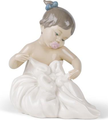 Статуэтка фарфоровая NAO Я родилась! (My Blanky!) 16см 02001337