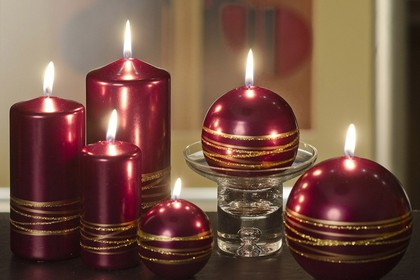 Свеча Золотые кольца, шар 8см Bartek Candles 5907602663662