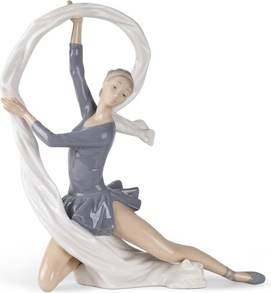 Статуэтка фарфоровая NAO Танцовщица с вуалью (Dancer With Veil) 34см 02000185