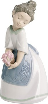 Статуэтка фарфоровая Мои гвоздики (Pink Carnations) 19см NAO 02001518