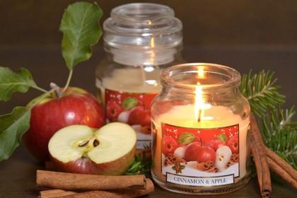 Свеча декоративная Bartek Candles Фрукты с корицей (яблоко и апельсин), стакан 5907602692440