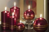 Свеча Золотые кольца, шар 10см Bartek Candles 5907602663679