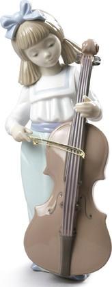 Статуэтка Девочка с виолончелью (Girl With Cello) NAO 02001879