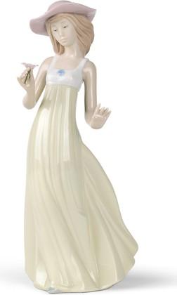 Статуэтка фарфоровая Девушка с Цветком (Gentle Breeze) 25см NAO 02001158