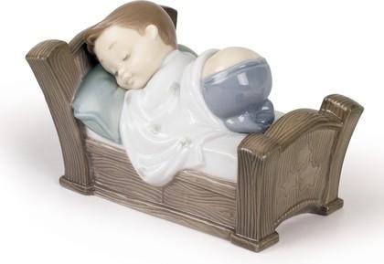Статуэтка фарфоровая Спящий мальчик (Snuggle Dreams) 8см NAO 02001504