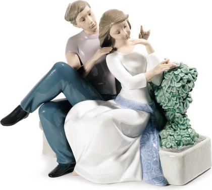 Статуэтка фарфоровая NAO Идеальная пара (The Perfect Couple) 21см 02001670