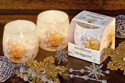 Свеча декоративная Bartek Candles Снежные мечты, стакан 8x7.5см 5907602697414